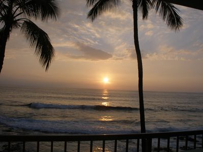Photo for Surfers & Sunsets-Kona Reef Ocean Front Unit