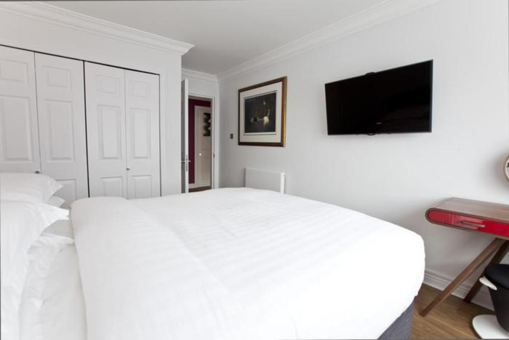 London Home 56, Picture This… Enjoying Your Holiday in a Luxury 5 Star Home in London, England - Studio Villa, Sleeps 2