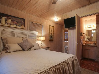Photo for Absolutely Charming Leahs loft, Cozy Studio Style Suite, Queen Bed, Walk to Main!