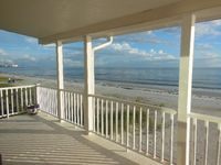Awesome beach right outside your door and nice beach feel inside. The house was very clean