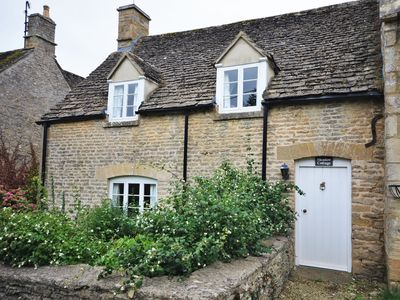 Photo for 2 bedroom Cottage in Lechlade - 40192