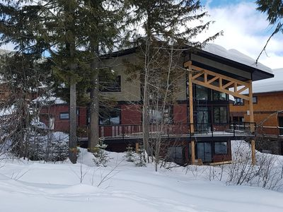 Feb 14, 2018 Standing on the ski run and looking at the house.