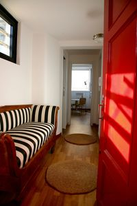 Photo for Top floor flat in green, central and quiet street.Ideal for touring. Parking.