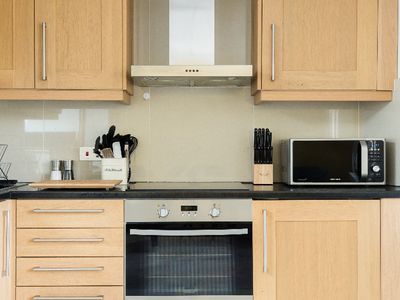 Photo for The College Green Place - Elegant & Contemporary 2BDR Home