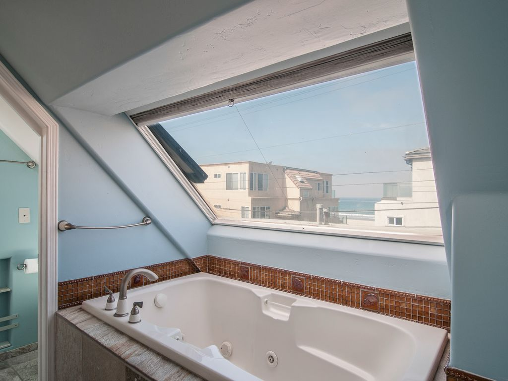720- Shared Dreams - Stunning newly remodeled beach retreat, steps ...