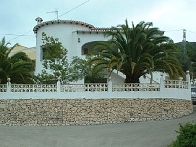 Photo for Spacious, well equipped villa w/ private, secure pool & beautiful mountain views