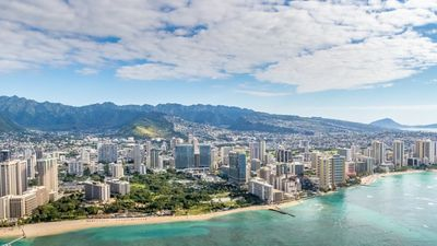 Photo for Enjoy the beauty of Hawaii with Waikiki Beach!