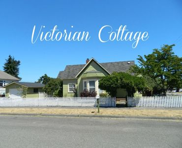 Photo for Cozy Victorian Cottage in Port Angeles