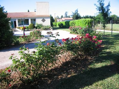 Photo for Pleasant T2 apartment in the heart of the countryside near Nimes