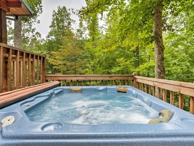 Photo for 'Woodsman' 2BR Red River Gorge Cabin w/Hot Tub!