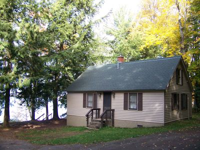 The Eagle Nest cottage on beautiful Lac Vieux Desert  Lake
