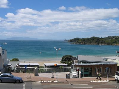 Photo for Apartment Central Oneroa, Amazing Ocean Views.