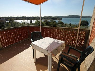Photo for Studio flat with terrace and sea view Medulin