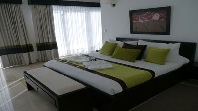 LHVC -Chairman's Circle 5 Bed Villa - LOWEST ALL INCLUSIVE - VIP Gold Bands