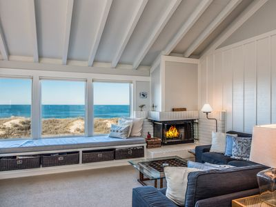 Relaxing Oceanfront Retreat w/Private Hot Tub