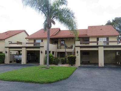 Great location!  On the golf course and close to downtown Venice and beaches!