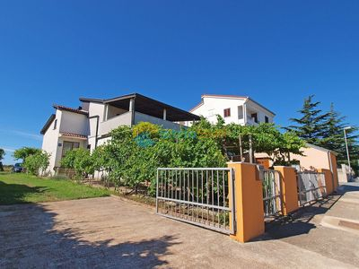 Photo for Apartment 325/749 (Istria - Banjole), Budget accommodation, 1000m from the beach