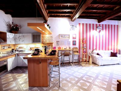 Photo for Campo de 'Fiori 2 bedrooms 2 bathrooms up to 6 persons, a / c elevator