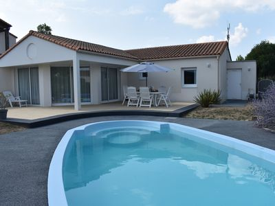 Photo for Villa 6 persons with private pool