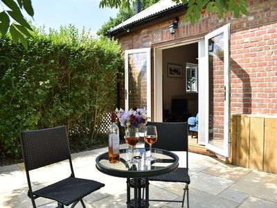 Photo for The Gatehouse, modern, open plan, dog friendly with enclosed garden