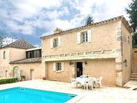 A beautifully presented period (1700s) property very tastefully furnished and we ...