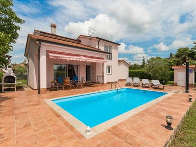 Photo for Holiday house Nova Vas for 5 persons with 3 bedrooms - Villa