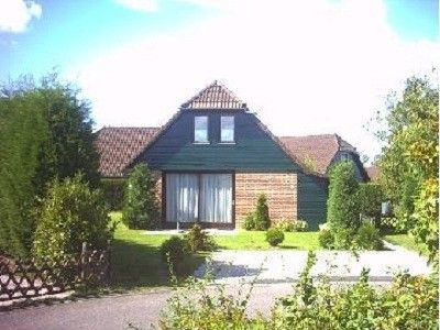 Photo for Fully furnished detached holiday home within walking distance of Lake Veere