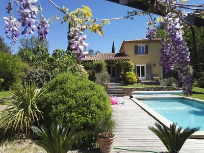 Photo for Villa -Lamanderaie- swimming pool, petanque court, ext kitchen and garlaban view