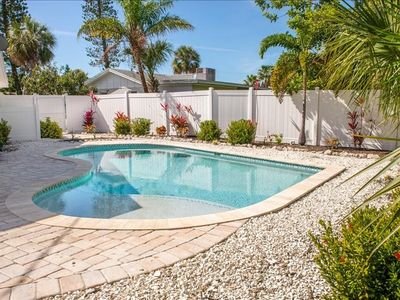Dog Friendly Private Heated Pool Home - Convenient to all of AMI
