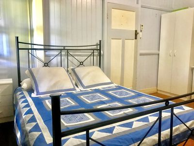 Photo for WHV-STUDENTS-RELOCATING-HOLIDAYING IN BRISBANE-PERFECT LOCATION-CLOSE TO CBD