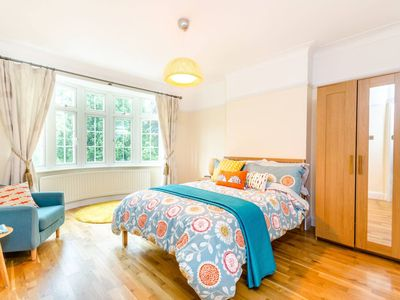 Photo for Perfect 3 bedroom Home in the Heart of Woolwich Arsenal