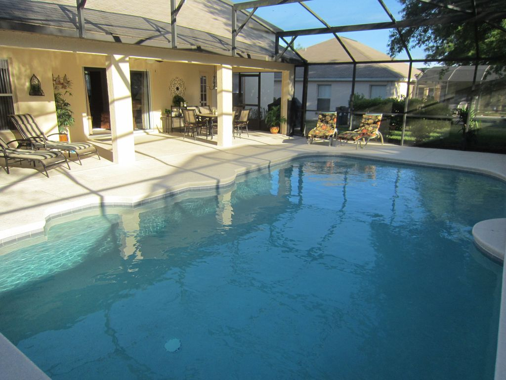 Spotless private pool home (fully equipped)