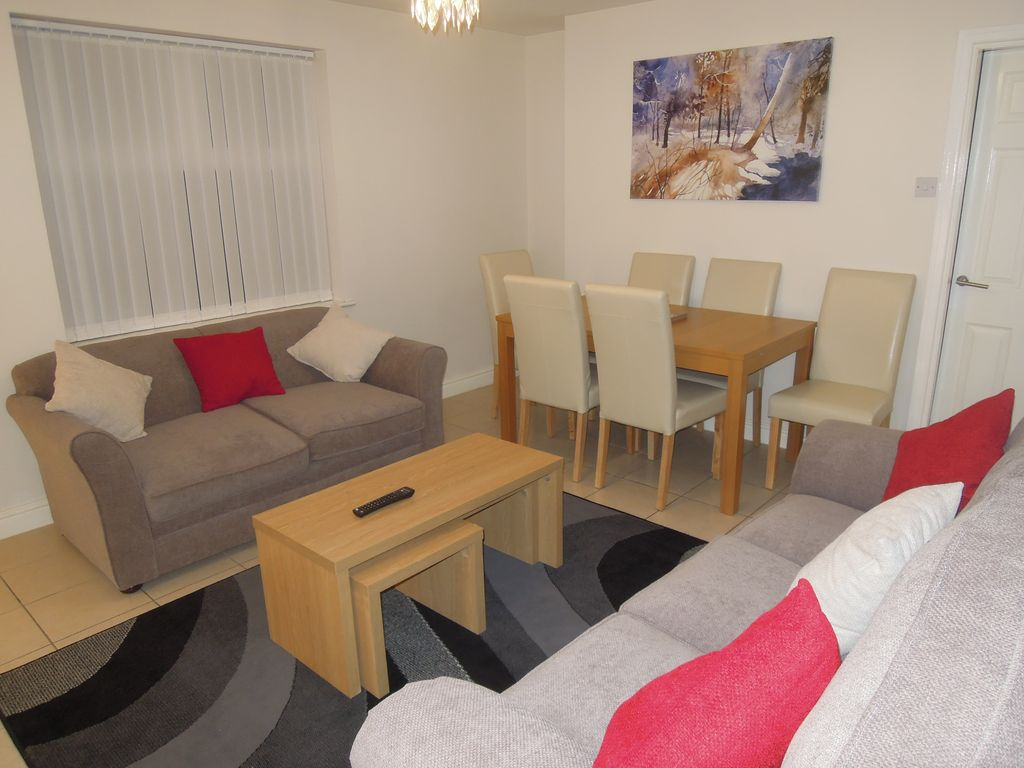 Beautiful spotlessly clean, well-equipped  apartment  in Liverpool