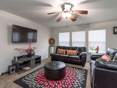 Photo for Perfect for large groups, family vacations, work crews - convenient location - 13 miles to DT Austin
