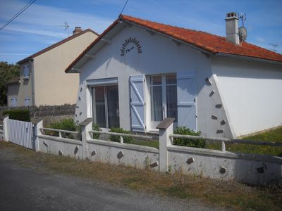 Photo for INDEPENDENT HOUSE CLOSE TO SEA AND PORT LA GRAVETTE 50 M