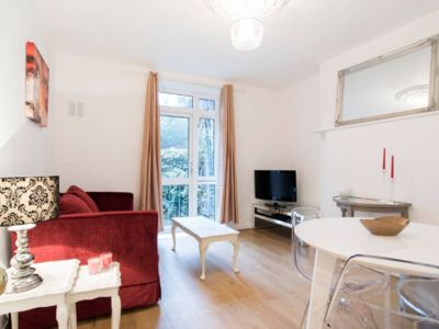 Photo for Charming and cosy flat near central London