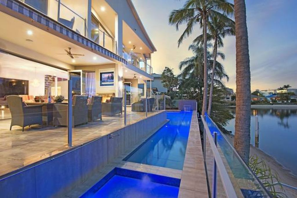 ELITE HOLIDAY HOMES - BLUE WATERS RETREAT
