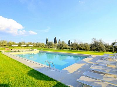 Photo for Casa Katia A: A pleasant and spacious two-story apartment in the characteristic style of the Tuscan countryside.