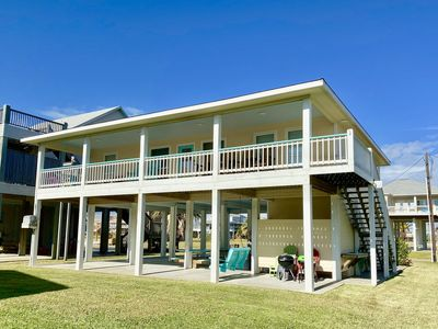 Photo for B's HIVE - 3rd Row, Super cute beach house with a fun beach vibe!!  Sleeps 10