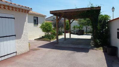 Photo for Villa 4 *, 10 'walk from the sea, swimming pool, 3 Ch, 110m ², ground 600M ²