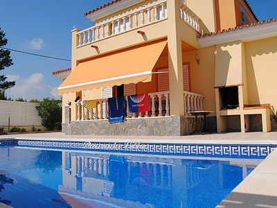 Photo for Comfortable villa with pool coves and beaches at 300 meters