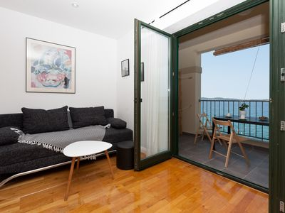 Photo for Superb Direct Seaside Apartment