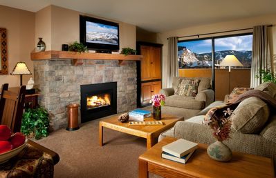 Photo for 3 Bedroom Condo that Sleeps 8 with Free Ski Shuttle Service!