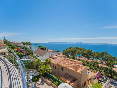 Photo for Villa with sea views for 10, heated pool, in Aucanada, Pt. Alcudia
