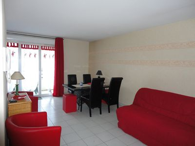 Photo for ROYAN: beautiful F2 48 m2 + loggia 6m2, swimming pool, garage, park, WIFI, 2 *
