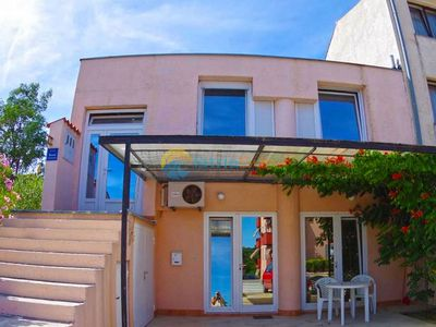 Photo for Apartment 1562/15979 (Istria - Pula), Romantic accommodation, 2000m from the beach