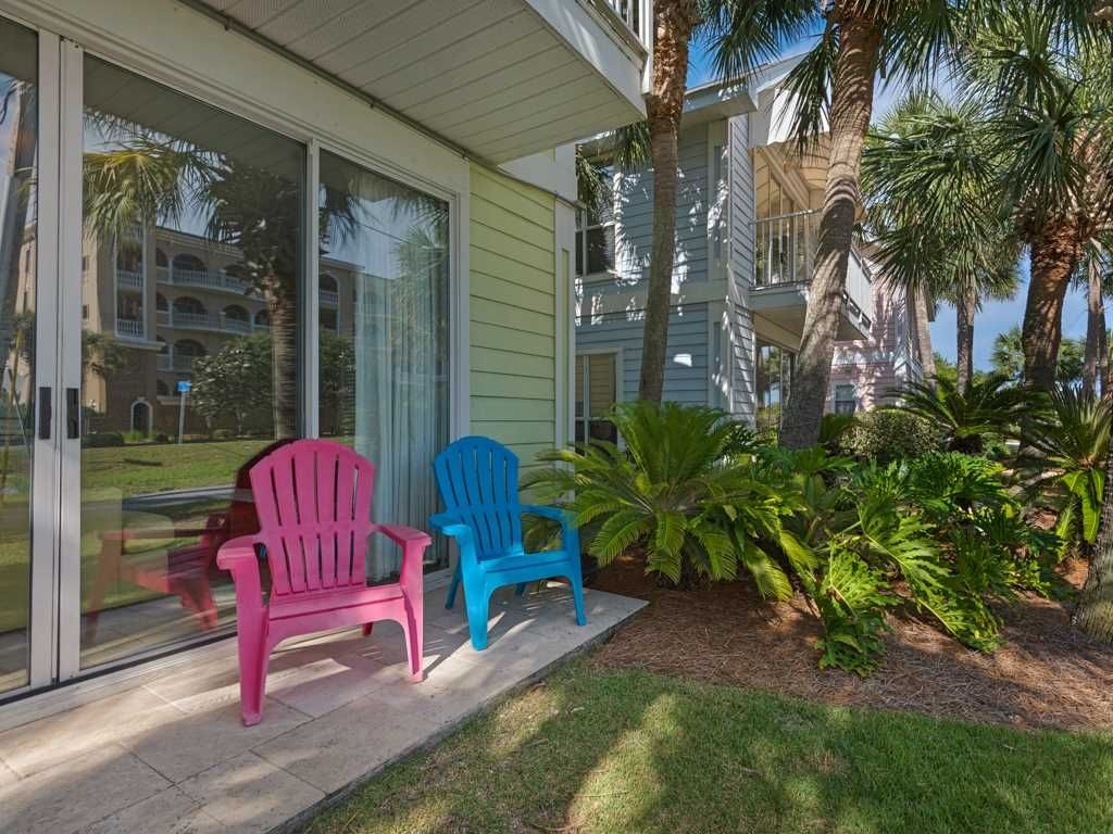 area property deal in from bright cottages right home bed beach fl cottage the yards ha across luxury destin rainbow street nantucket conservation s image