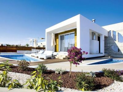 Photo for Villas Paradise Cove, Paphos  in Um Paphos - 8 persons, 3 bedrooms