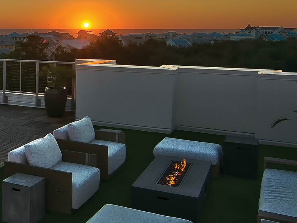 Resort-style pool & rooftop sunsets! NEW. Lux!!
