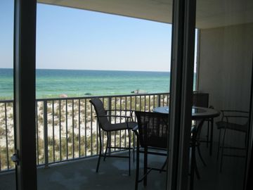 Spectacular gulf view, steps to the water, well maintained and family friendly